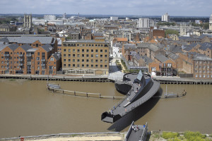 scale-lane-bridge-hull-m290813-t9