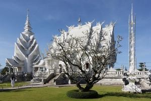 800px-Wat_Rong_Khun-001