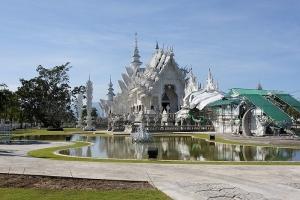 800px-Wat_Rong_Khun-002