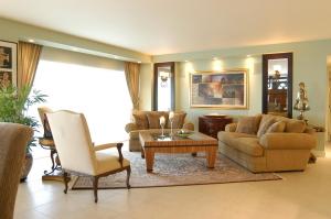 rectangular-living-room-layout-ideas