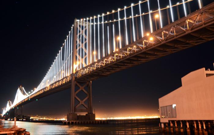 San Francisco – Oakland Bay most je postao najveća svetleća skulptura na svetu